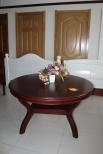 烟台实木餐桌